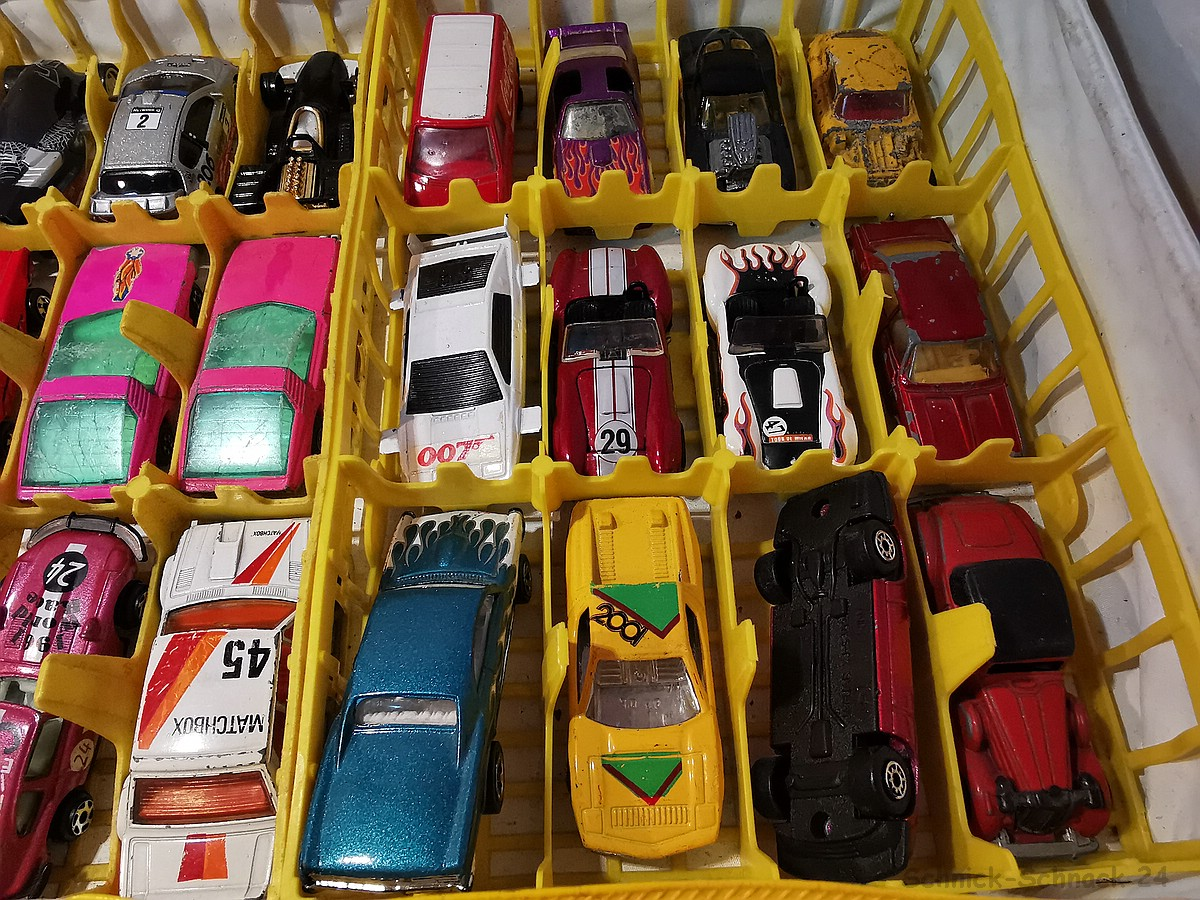 matchbox hot wheels co collection in collector case 47tlg 1 32282 ml ebay. Black Bedroom Furniture Sets. Home Design Ideas